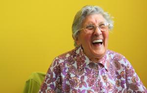 Vil du hjelpe eldre mennesker i Ringerike med IT?