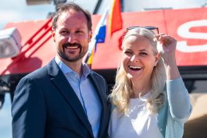 Kronprinsfamilien besøkte den svenske kronprinsessefamilien