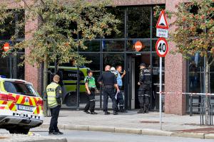 To Nav-ansatte knivstukket under brukermøte