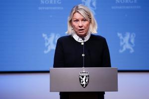 Monica Mæland blir partner i advokatfirma