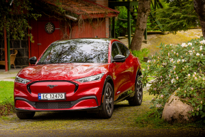 Nye Ford Mustang Mach-E ble den mest solgte bilen i Norge i mai