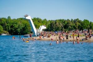 Undersøkelse: Nordmenn kutter feriebudsjettet med 16.000 kroner